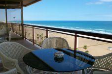 Apartamento para 8 personas con vistas al mar