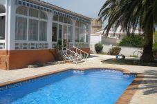 Chalet con piscina en Alcanar