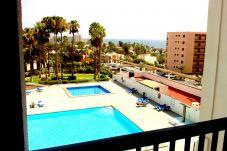 Apartamento con piscina en Playa de Las Americas