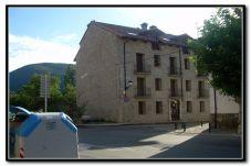 Luminoso apartamento con vistas a la montaña en Biescas