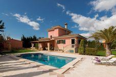 Villa con piscina en Biniali