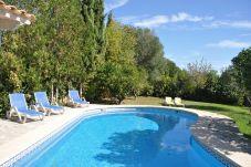 Casa rural con piscina en Buger