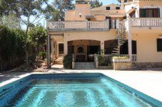 Villa con piscina en Cala Blava