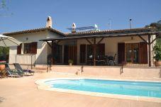Casa rural con piscina en Canyamel