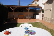 Bungalow con piscina en Denia