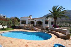 Villa en Denia a 4 km de la playa