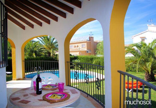 Villa en tranquilo residencial - Ref. 76508-11