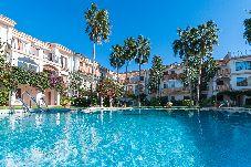Villa con piscina en Denia