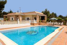 Villa de 3 habitaciones a 6.5 km de la playa