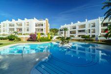 Apartamento con piscina en Moraira