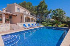 Villa en Teulada para 12 personas con 6 habitaciones