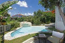 Villa con piscina en Niza