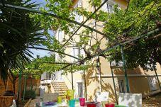 Villa con parking en Niza