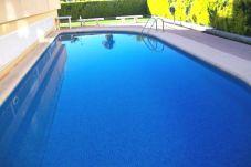 Apartamento con piscina en la zona de Oliva Nova Golf