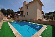 Villa en Portocristo - Cala Mandia para 8 personas con 4 habitaciones