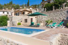 Villa en Puigpunyent para 5 personas con 3 habitaciones