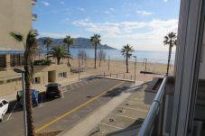 Apartamento en primera línea de playa de Rosas / Roses