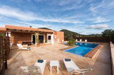 Villa con piscina en Sant Antoni de Portmany / San Antonio