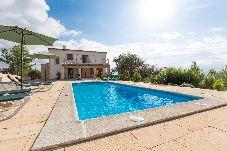 Villa con piscina en Sant Joan
