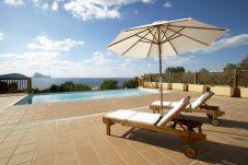 Villa en Sant Josep de Sa Talaia / San Jose a 500 m de la playa