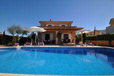 Villa con piscina en la zona de Sa Coma