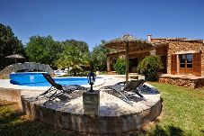 Villa en Sant Llorenç Des Cardassar a 9 km de la playa