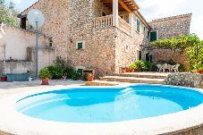 Villa con piscina en Santa Maria del cami