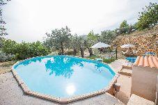 Villa con piscina en Selva