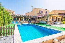 Villa con piscina en Sineu