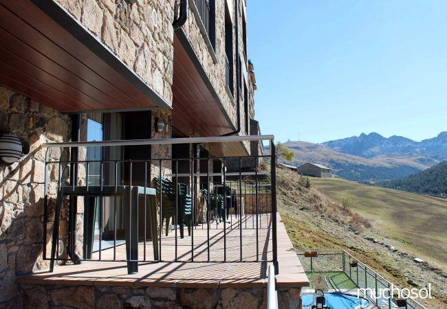 Complejo de estudios en Soldeu con bonitas vistas a la montaña - Ref. 114356-15